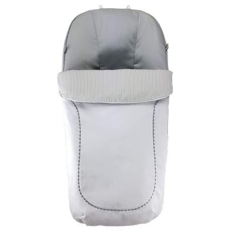 Saco piqué canutillo blanco con picunela gris. Interior en canutillo rayas y liso gris.