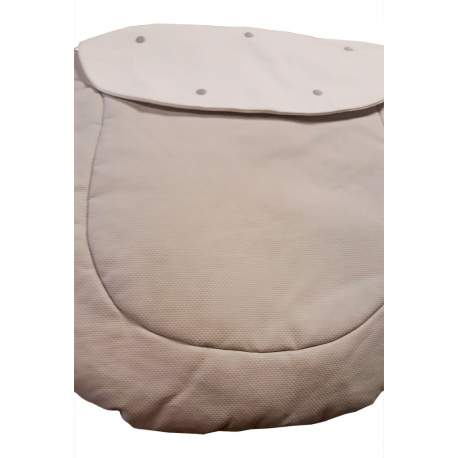 Colcha para capazo matrix en piqué gris y blanco con bordado de bodoques